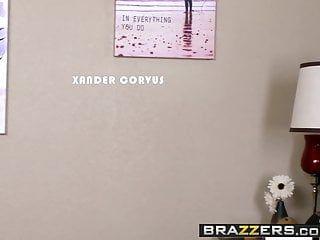 Brazzers - mom got love bubbles - alura jenson xander corvus - th