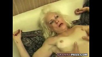 Squirting granny takes coarse pumping