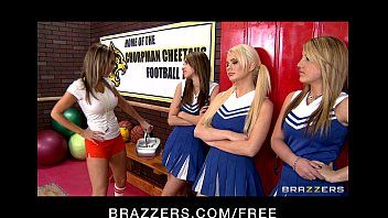 Excited cheerleaders alexis ford and courtney cummz share big-dick