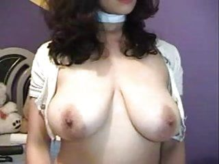 Cam show large titties and slit rubbing