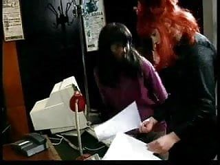 Gabriela vs Cindy - Lesbo Scene dal film Scena Canal Diciotto P.1